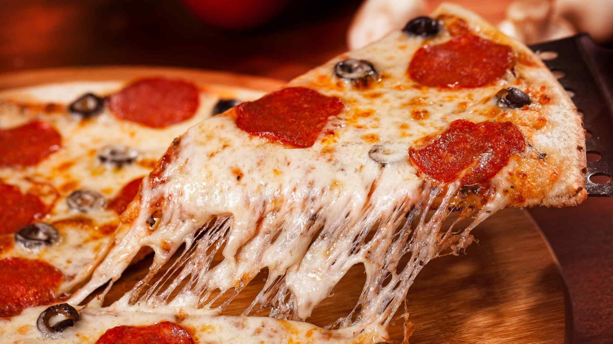 Can You Bring Pizza as Carry On Baggage on a Plane? 2